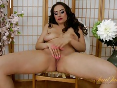 Hot milf glamour babe in lipstick has sexy tits tubes
