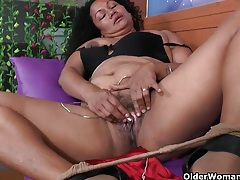 Latina milfs sharon and maribel need to get off after work tubes